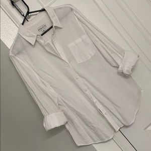 White Ava and Viv textured button up